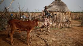 إصابة 6 جنود فرنسيين بجروح متفاوتة الخطورة في هجوم انتحاري في مالي