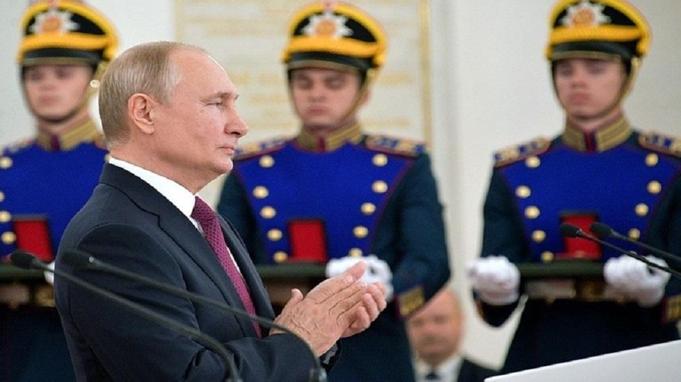 بوتين يهنئ العسكريين الروس بيوم قوات العمليات الخاصة
