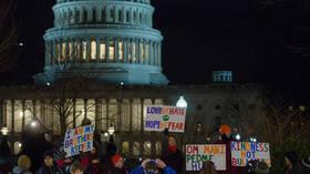عفو بايدن: الديمقراطيون يفتحون الولايات المتحدة أمام ملايين المهاجرين غير الشرعيين